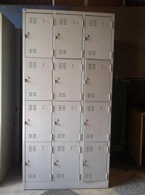 Tủ gửi đồ siêu thị 3 buồng 12 cánh